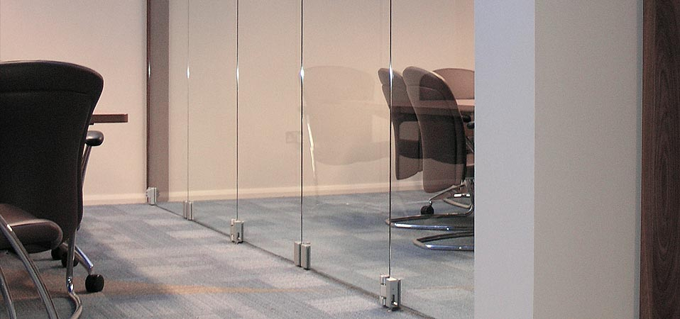 Teufelbeschlag gmbh manufacturer of fittings for glass for Frameless glass doors